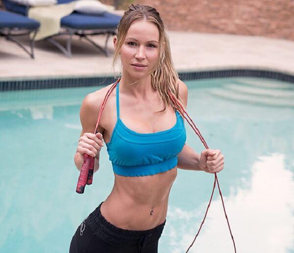 5 tác dụng của nhảy dây trong bơi lội