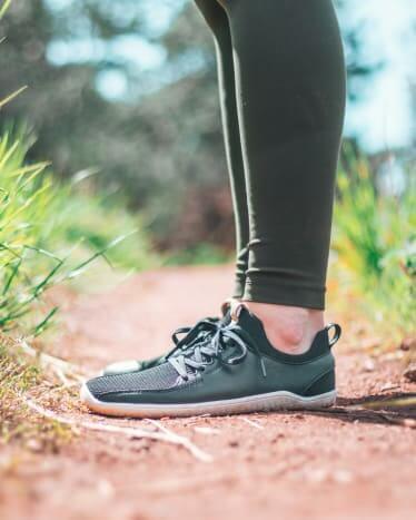 8 cách hỗ trợ sức khoẻ đôi chân mà Yogis có thể áp dụng
