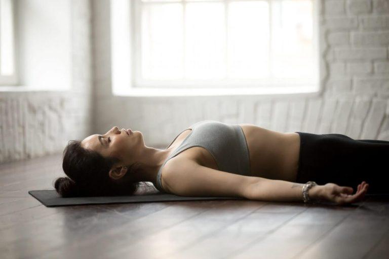 15 Bài tập Yoga chữa đau lưng đơn giản tại nhà dễ tập