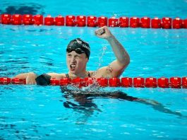 Vượt qua nỗi sợ nước khi bơi - Không gì là không thể