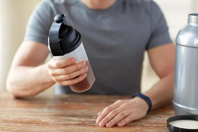 Top 10 tác hại khi dùng whey protein (bột protein) bị lầm tưởng nhiều nhất