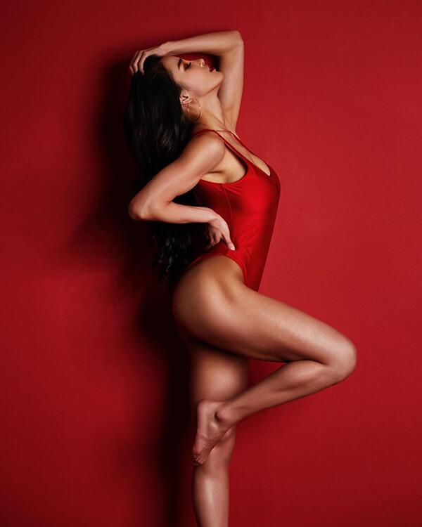 Nữ vận động viên thể hình xinh như hotgirl khiến bao anh ngất ngây