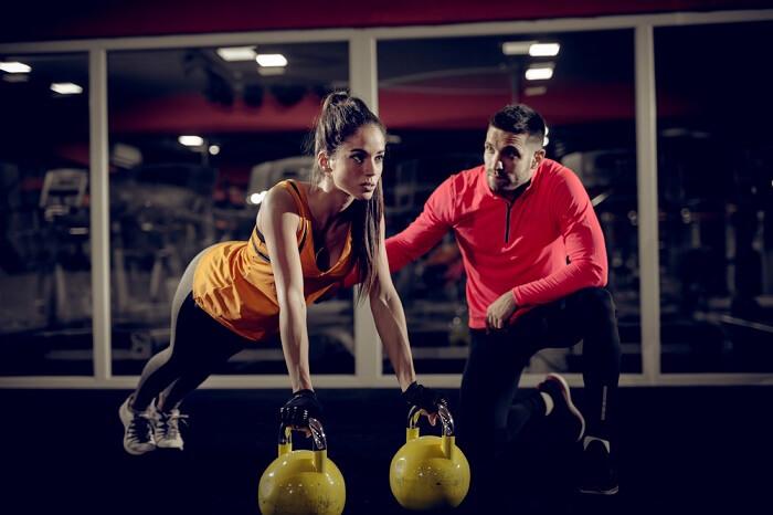 Có nên thuê huấn luyện viên cá nhân online để tập luyện hay không?
